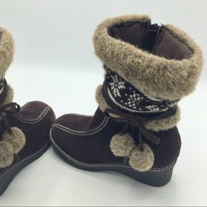 Brown girls boots size 2